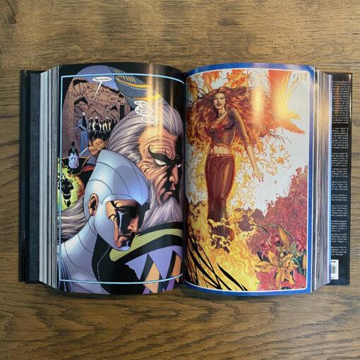 New X-Men: Omnibus [OHC] Conditie: Tweedehands, als nieuw - Het Marvel logo op de zijkant van de stofomslag is een beetje verkleurd, zie de foto's. Marvel 5